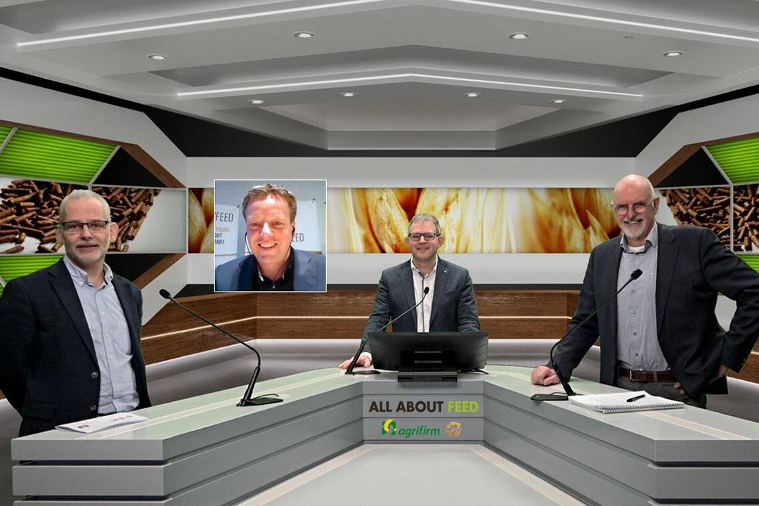 La alineación del seminario web, con de izquierda a derecha: Robert Hoste, WUR; Gudo klein Gebbink, Royal Agrifirm Group, Vincent ter Beek y Loek de Lange, Loek's Feed. - Foto: Webcast de la empresa