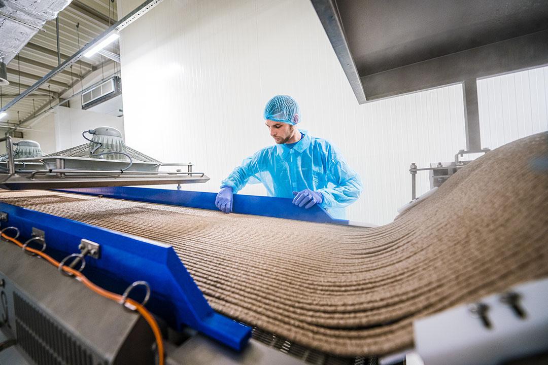 En 2020, la empresa produjo 80.000 toneladas de alimentos húmedos y secos para mascotas y golosinas, pero hay planes de aumentarlas en 17.000 toneladas anuales. Foto: Kormotech