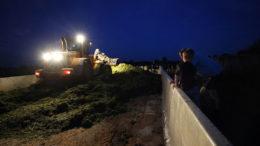 Con la fabricación de silos hasta tarde en la noche, asegúrate de que todas las luces funcionen correctamente. Foto: Bert Jansen