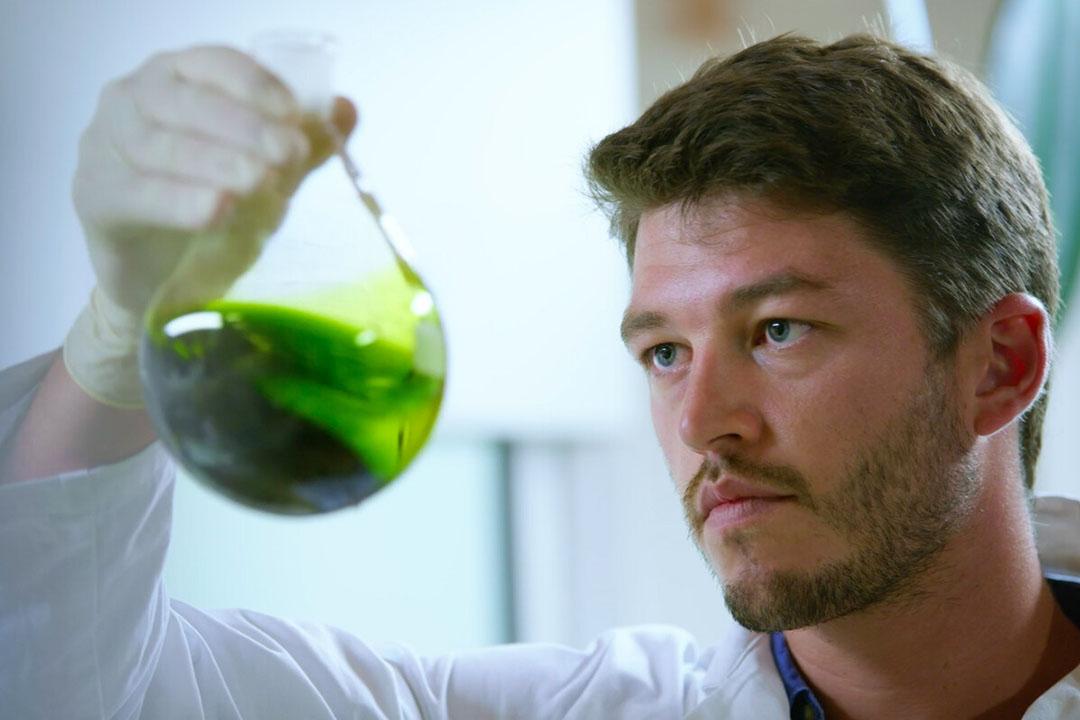 Las microalgas marinas proporcionan una proteína similar a la de los animales con un efecto inmunomodulador demostrado, según el director general y cofundador de Inalve, Christophe Vasseur. Foto: Inalve
